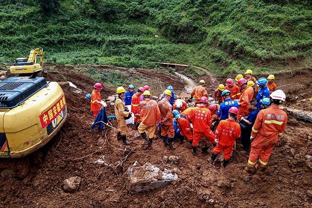 Glissement de terrain en Chine: le bilan grimpe à 20 morts