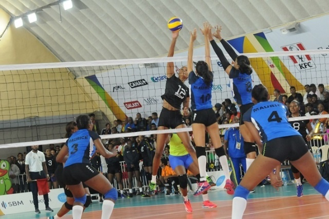 L'équipe de volleyball féminine des Seychelles revient en force pour remporter la troisième médaille d'or aux Jeux de l'océan Indien