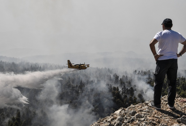 Ecological disaster on Greek island as fire burns on