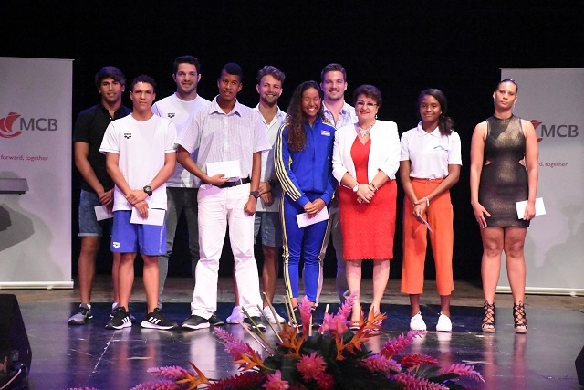 Medal-winning athletes receive monetary prizes after Indian Ocean Island Games