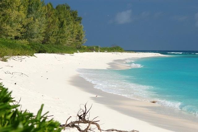 Le plan des Seychelles pour la désignation de «drapeau blanc» pour ses plages propres interrompue par des allégations de fraude