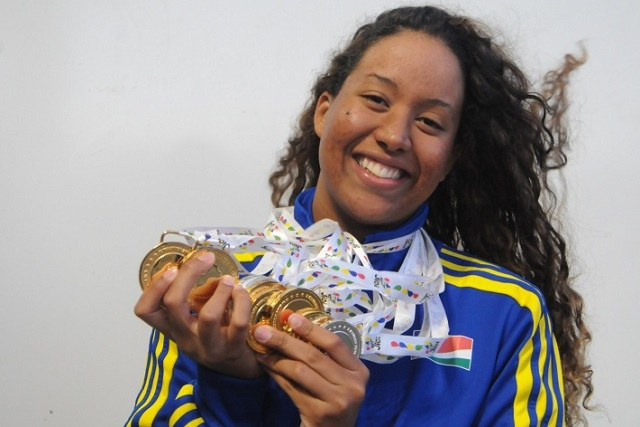 Retour en or: Felicity Passon décroche la première médaille des Seychelles pour la nage sur le dos aux Jeux africains