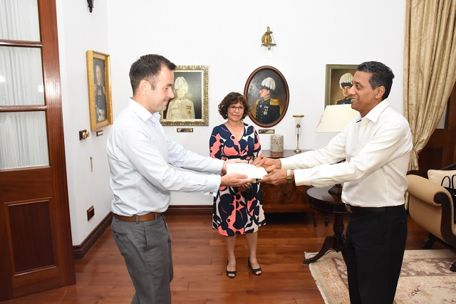 UK High Commissioner: Seychelles can be at forefront of global efforts to fight ocean pollution