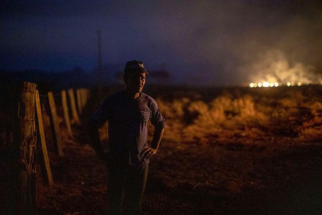 Incendies en Amazonie: des centaines de nouveaux feux, l'émotion grandit