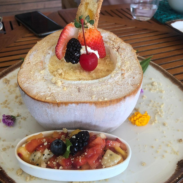 Food review: A chef loves Seychelles' fresh produce; I love his coconut parfait