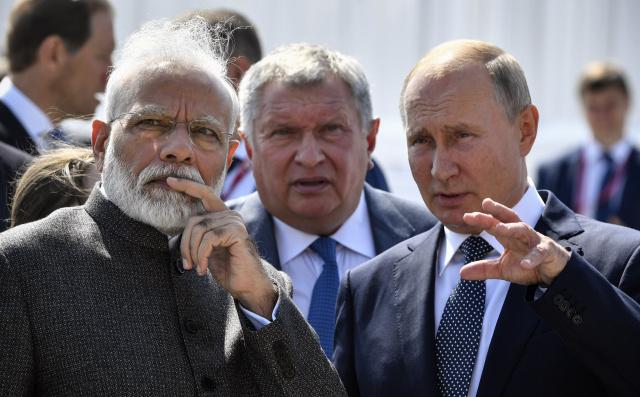 Putin, Modi vow closer ties at Far East economic forum