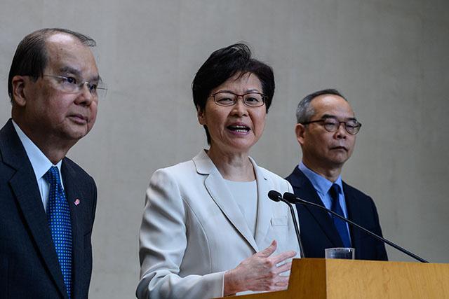 Hong Kong: la cheffe de l'exécutif appelle au dialogue, malgré le scepticisme