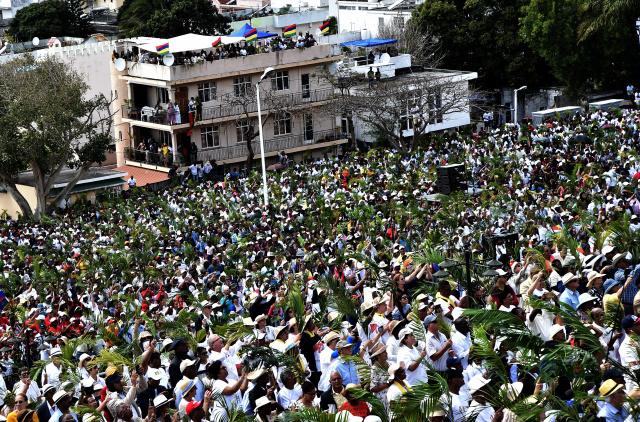 Pope Francis urges Mauritius to shun 'idolatrous economic model'