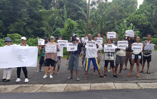 Residents protest in Seychelles over compensation payment from 2010 palace construction