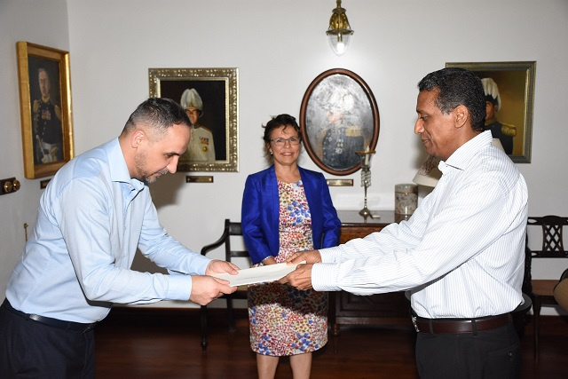 New Serbian ambassador to Seychelles offers scholarships to study in his homeland