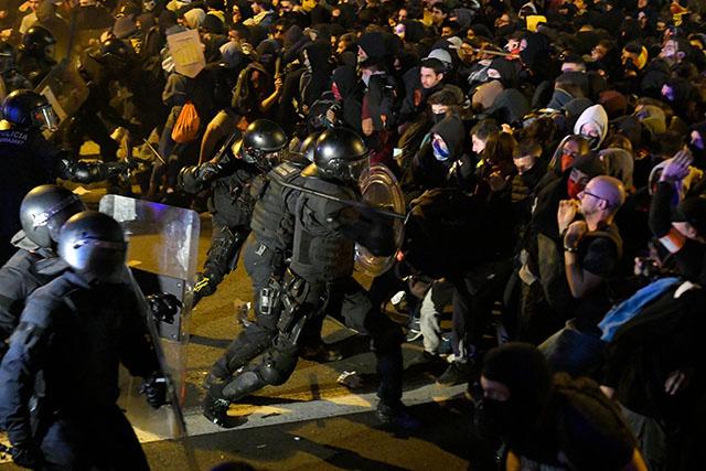 L'Espagne sous le choc après les violences en Catalogne