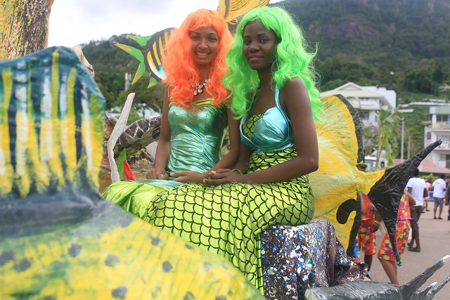 Colourful floats and costumes fill Seychelles' capital during Creole Festival