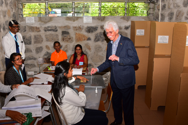 Counting begins in Mauritius election