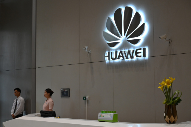 US authorizes 'several' firms to sell to Huawei amid sanctions