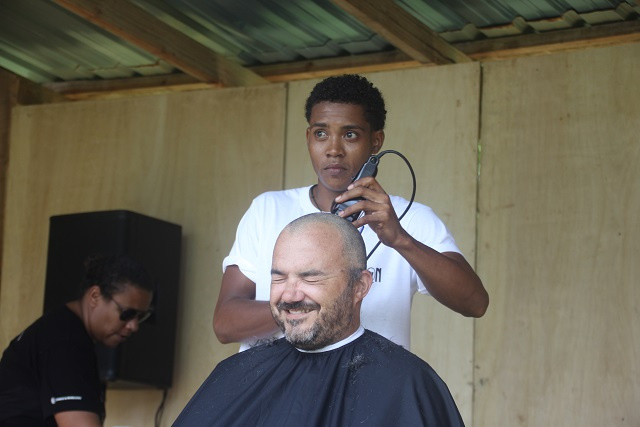 To help fight against cancer, Seychelles' second island 'braves the shave'
