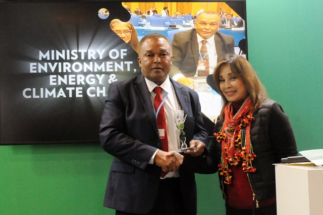 Seychelles' top official recognised with award at global climate change conference