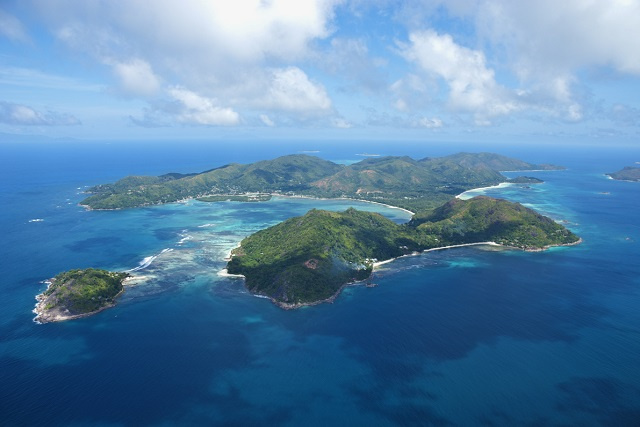 French tourist injured by shark in Seychelles is in stable condition; first attack since 2011