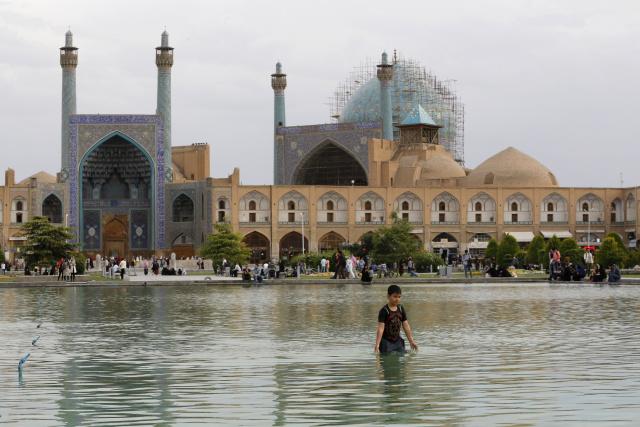 Trump warns Iran against retaliation, threatens cultural sites