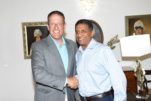 High-profile CNN business correspondent meets with Seychelles' President while filming two shows on island nation