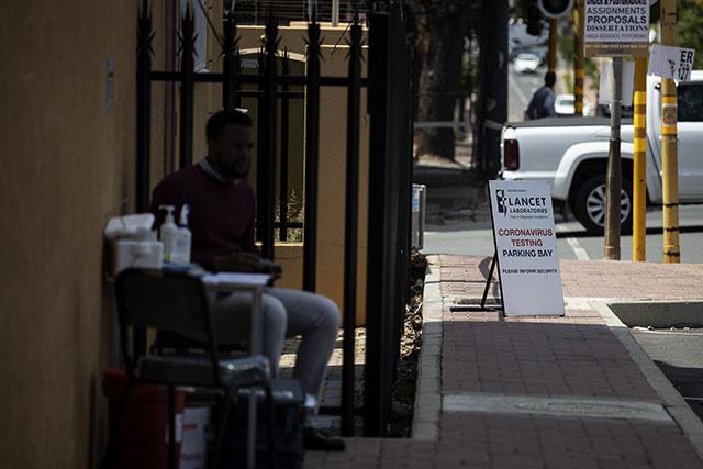 Coronavirus: plus de 200 cas déjà en Afrique du Sud, les autorités inquiètes