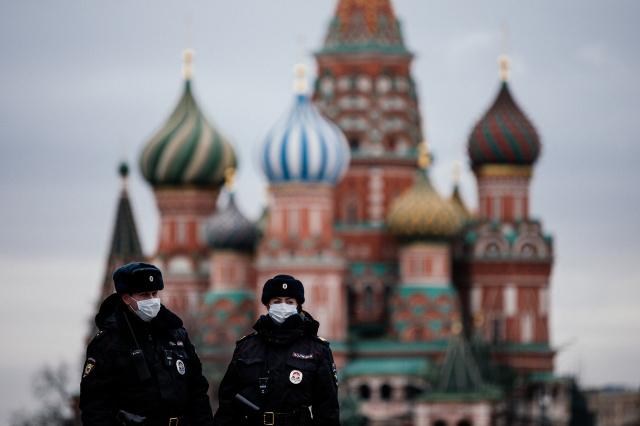 Moscow under lockdown as global virus cases top 700,000