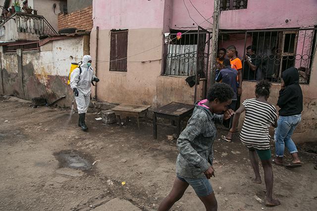 Coronavirus : le confinement des grandes villes de Madagascar prolongé deux semaines