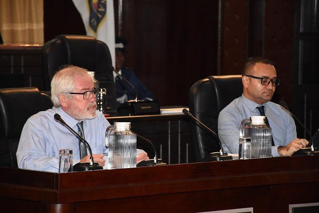 Nouveau budget COVID des Seychelles: plus d'argent pour la santé, festivals annulés, recensement reporté