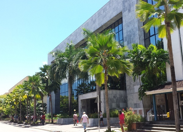Central Bank of Seychelles signals readiness to intervene with rupee down 25 pct vs. the dollar