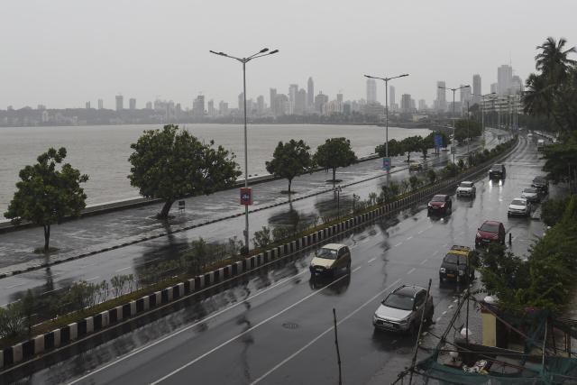 Powerful Cyclone Nisarga makes landfall near Mumbai