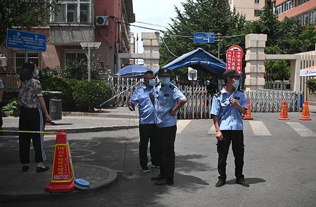 Coronavirus: l'Europe rouvre ses frontières, la Chine s'inquiète d'une nouvelle vague