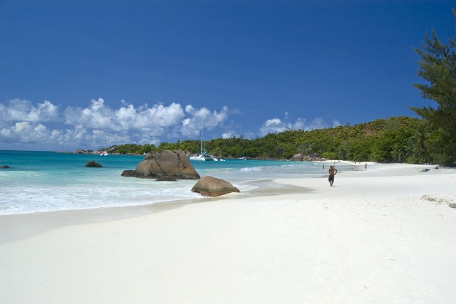 Social distancing, good hygiene to be practiced on Seychelles' beaches, minister says