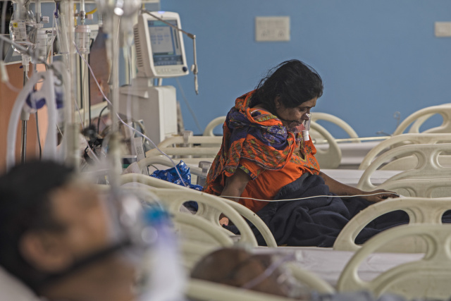 India coronavirus cases pass one million