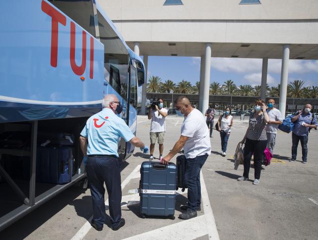 TUI scraps mainland Spain holidays over quarantine change