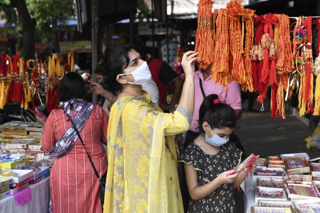 India virus cases hit 1.5 million, but slum study casts doubt on official data