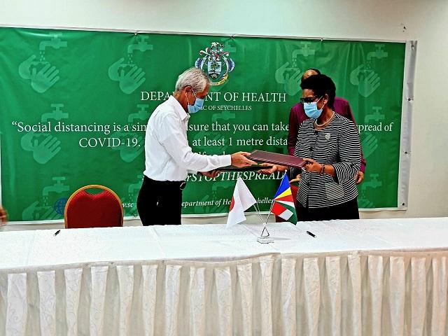 Le Japon fait don de 1 million de dollars aux Seychelles pour du matériel médical afin de lutter contre le COVID-19