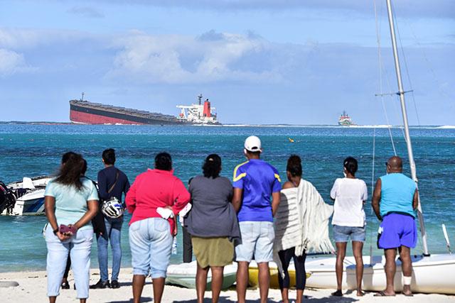 Maurice: des hydrocarbures s'écoulent d'un bateau échoué depuis fin juillet