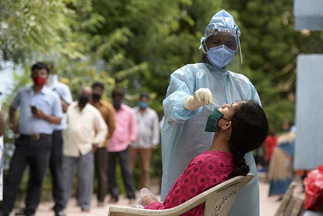 Coronavirus: l'Inde troisième pays à franchir la barre des quatre millions de cas