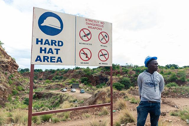 Zimbabwe: l'expoitation minière interdite dans toutes les réserves naturelles