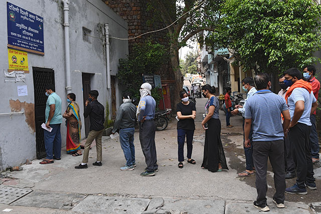 Coronavirus: l'Inde franchit la barre des 5 millions de cas