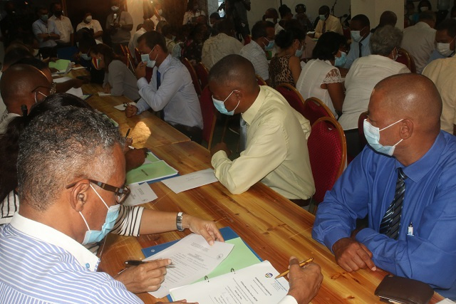 Seychelles' top 2 political parties submit National Assembly candidate documents for Oct vote