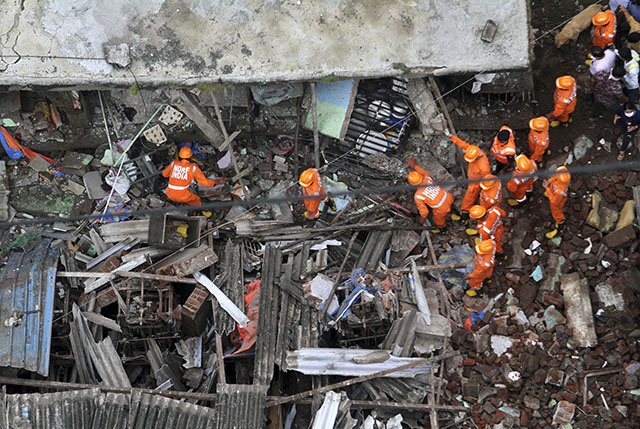 Effondrement d'un immeuble en Inde: au moins 20 morts