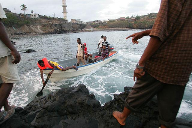 Dix migrants, dont un enfant, meurent dans un naufrage à Mayotte