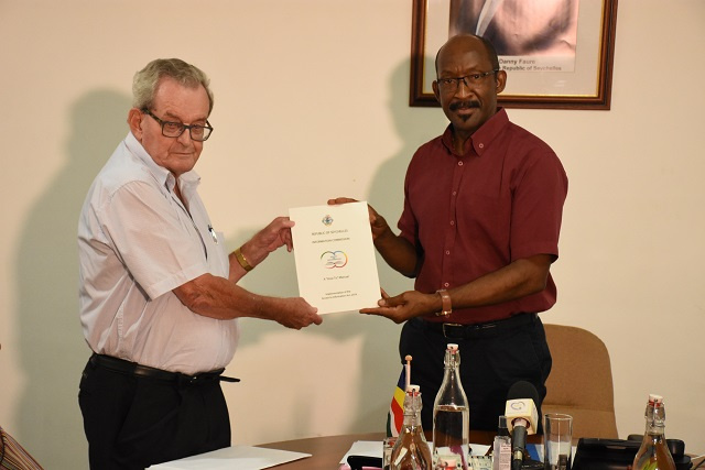 Seychelles launches new manual on obtaining public information