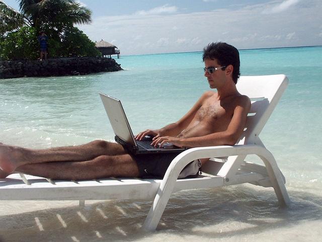 Les visiteurs aux Seychelles pourraient « travailler depuis la maison '' pendant leurs vacances à la plage, selon le ministre du Tourisme