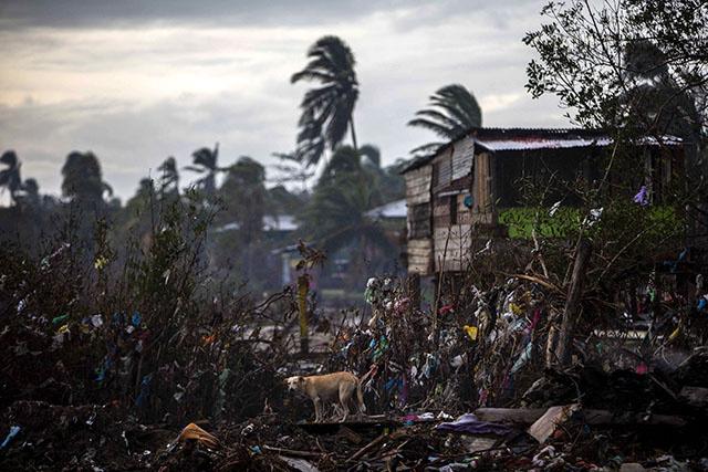 L'ouragan Iota s'est renforcé et menace l'Amérique centrale