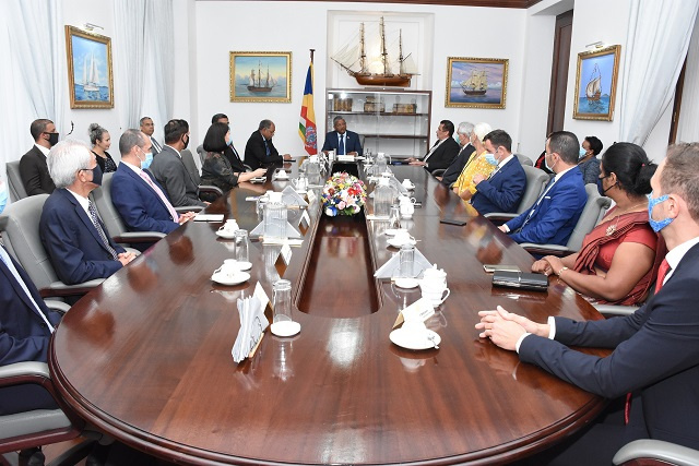 President of Seychelles meets with island's diplomatic corps to seek cooperation, support