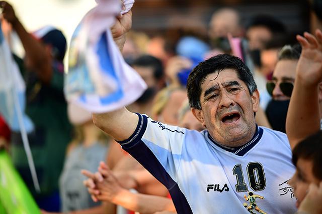 Le médecin de Maradona visé par une enquête pour homicide involontaire