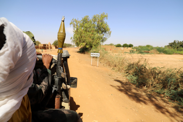 Mali, foreign military bases attacked in north