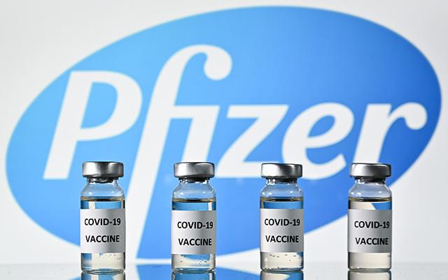 Covid-19: le vaccin Pfizer/BioNTech approuvé pour une utilisation au Royaume-Uni