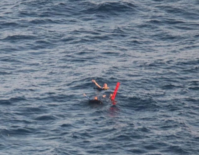 Five foreign scuba divers rescued at sea in Seychelles six hours after dive boat lost contact